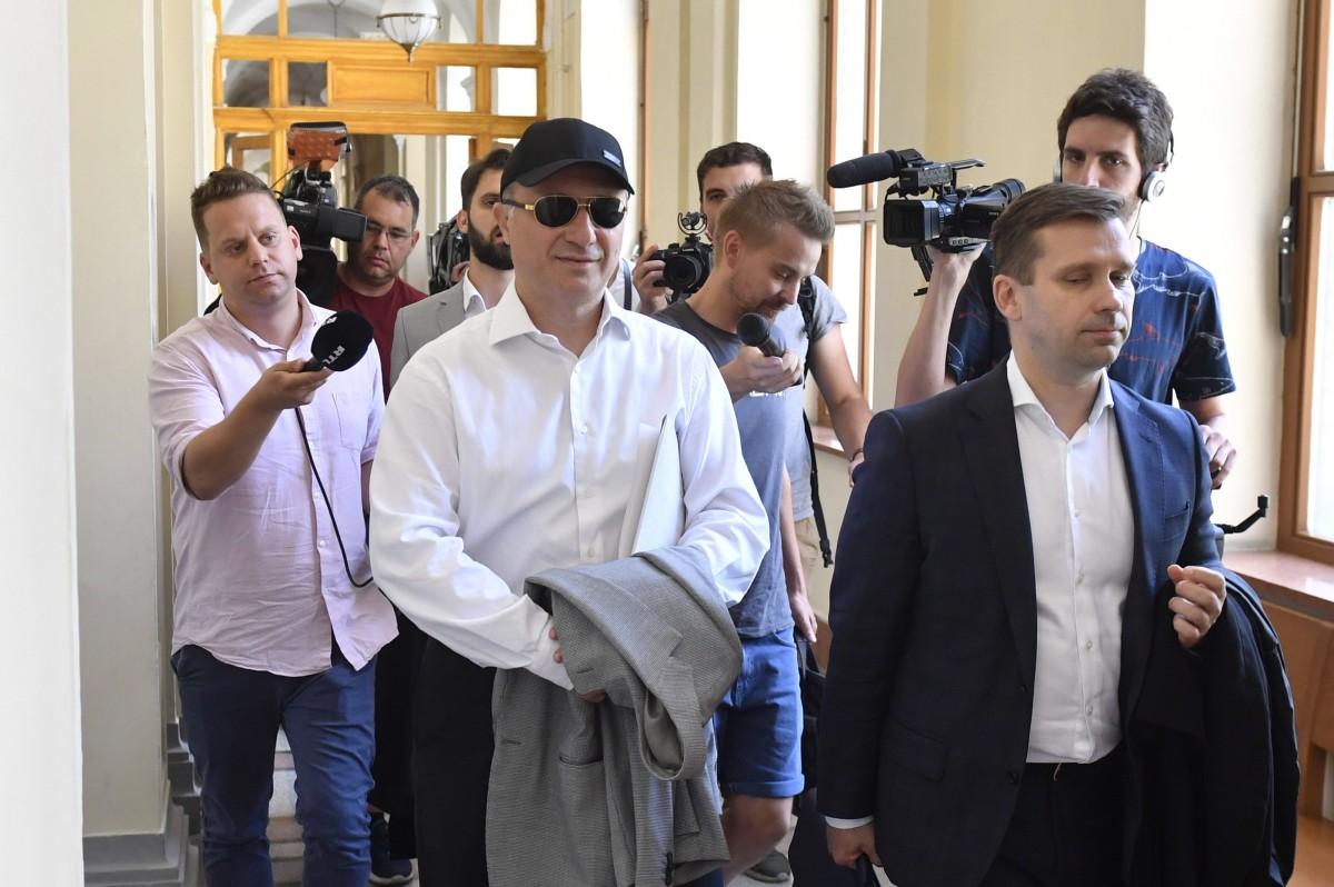 Груевски взимал важни решения, допитвайки се до гадателка