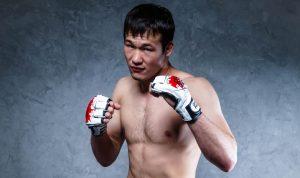 Непобеден шампион подписа с UFC