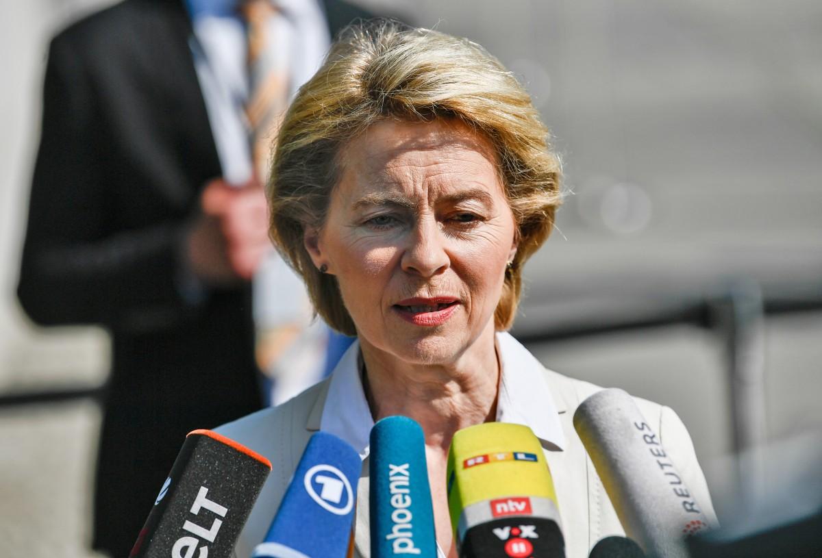 """Политико"": Скандал виси над Урсула фон дер Лайен. В Берлин."