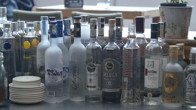 Полицията в Санкт Петербург разкри фабрика за фалшив алкохол