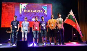 5 сребърни и бронзов медал спечели отборът ни от олимпиада по математика във Великобритания