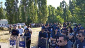 Полицията използва сълзотворен газ срещу протестиращи в Анкара