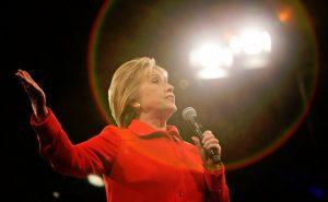 Кандидат на демократите напусна предизборната надпревара в САЩ