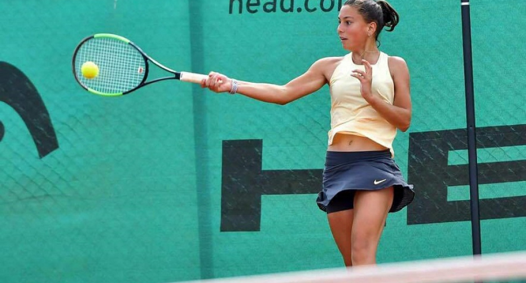 Николова е полуфиналистка на сингъл, Марков достигна последните 4 на двойки в Испания