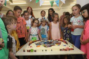 Мария Ландова: Няма дете, което да не може да рисува