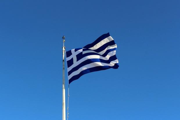 Настаняват мигранти в държавни приемни сгради в Атина