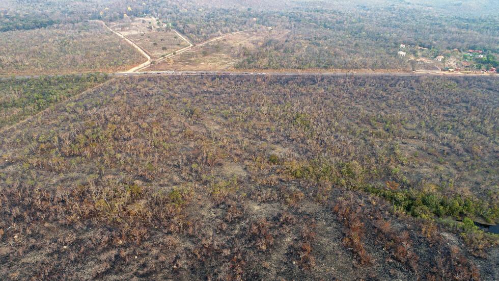 Президентът на Бразилия обвини НПО-та за пожарите в Амазония