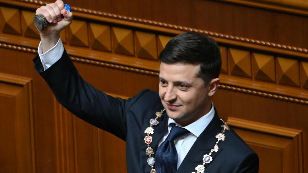 Зеленски предлага украинско гражданство на руснаци, преследвани по политически причини