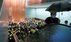 В Хонконг са арестувани законодатели, подкрепящи протестите