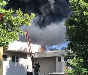 Пожар избухна в оздравителен комплекс със стотици туристи и пациенти в Павел баня