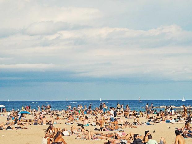 Въпреки свалянето на цените морските курорти ще приключат сезона на загуба