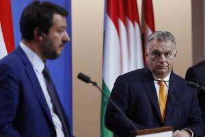 Политическа криза разтърсва Италия