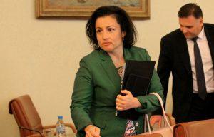 Танева: Ще има кадрови промени в БАБХ след овладяване на кризата с чумата
