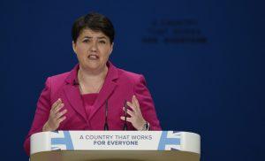 Оставка в британския парламент заради действията на Джонсън