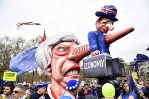 Times: В Британия ще има недостиг на храни и горива при Брекзит без сделка