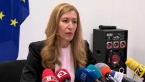 """Ангелкова: Съдействаме на бизнеса и туристите след фалита на """"Томас Кук"""""""