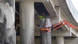 """Ремонтират горелия мост на АМ """"Струма"""" край Дупница"""