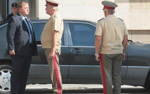 Каракачанов: Има повече постъпили в армията, отколкото напуснали