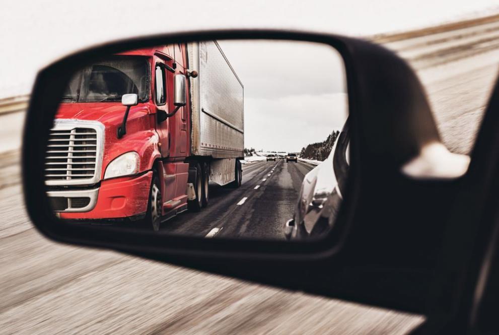 Спират движението на ТИР-ове по магистралите в пиковите часове в петък