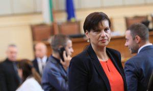 Дариткова: Манолова се прави на жертва на статуквото