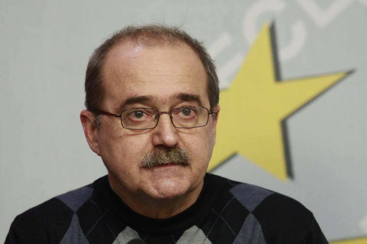 """Отведоха за разпит бившия главен редактор на вестник """"Дума"""""""