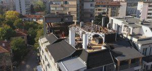 Пламен Георгиев събаря незаконните обекти по терасата си