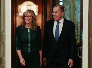 Захариева и Лавров обсъдиха Балканите и сътрудничеството в енергийната област