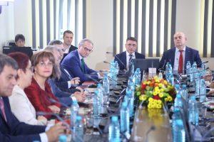 9 часа кадровиците на ВСС заседават преди избора на Гешев