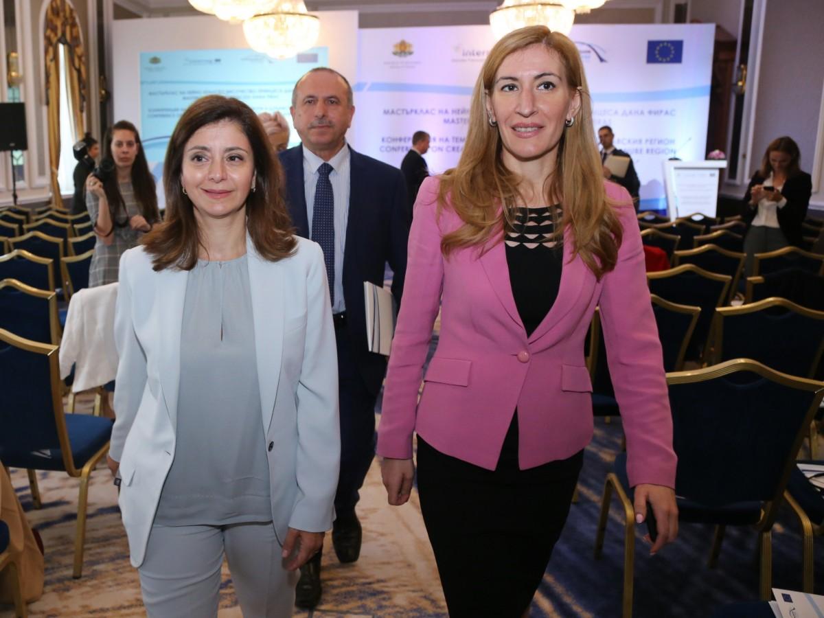 Ангелкова: За 3 месеца над 4,4 млн. чужденци са посетили България