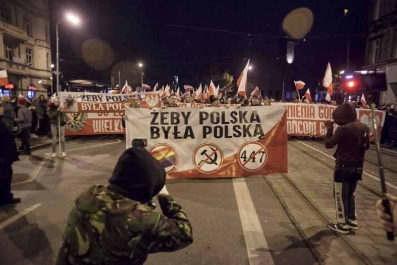 Десетки хиляди се стекоха на националистическия парад в Полша