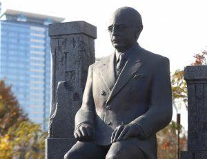 Откриват паметника на Симеон Радев в София