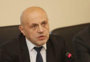 Дончев: Отмина времето за каране на документи с бус