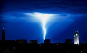 55 000 домакинства са без ток във Франция заради силна буря