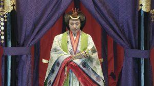 Десетки хиляди японци приветстват император Нарухито в чест на интронизацията му