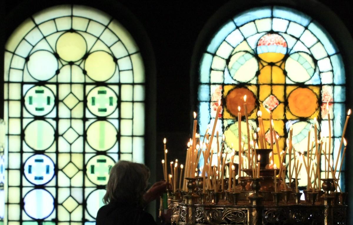 Богослов: Други православни църкви ограничиха достъпа до храмовете, не бива да изкушаваме Бога