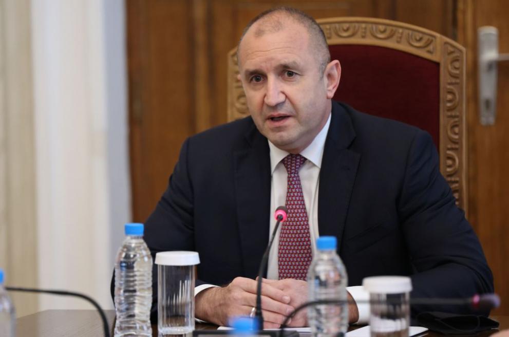 Стратегически съветник на Радев каза ще има ли сменени министри и каква ще е подкрепата му за партията на Василев и Петков