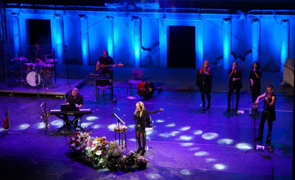 Лили Иванова завладя публиката в Пловдив