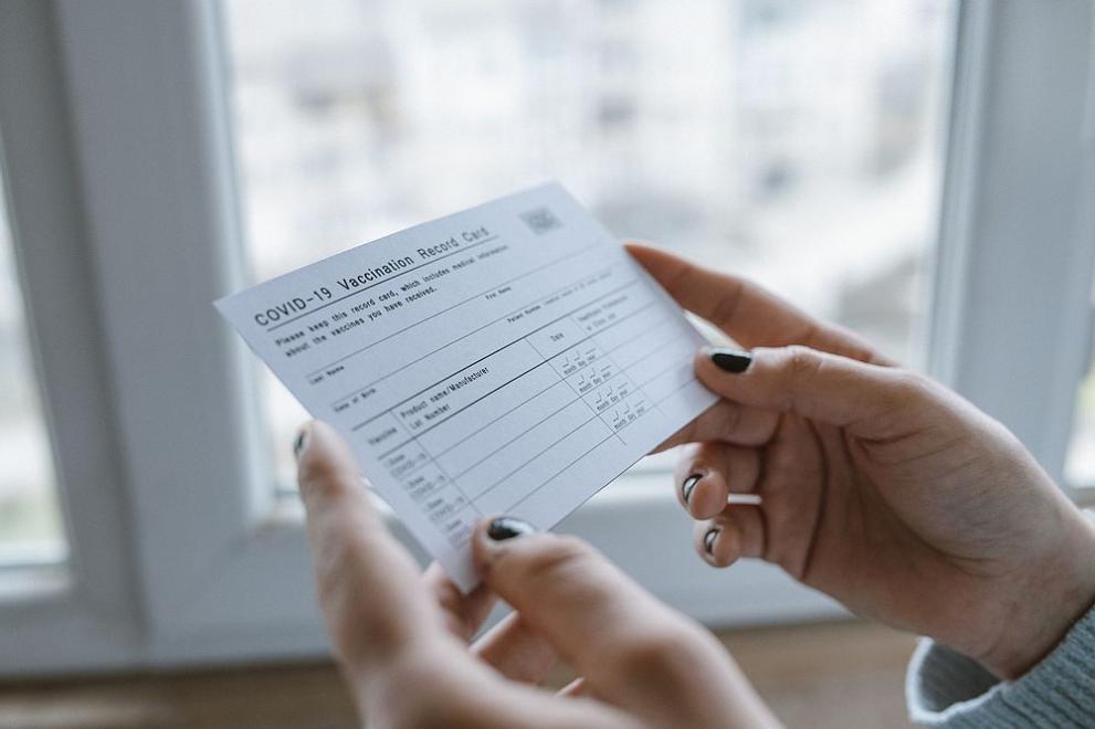 Валидността на сертификата за преболедуване става 1 година