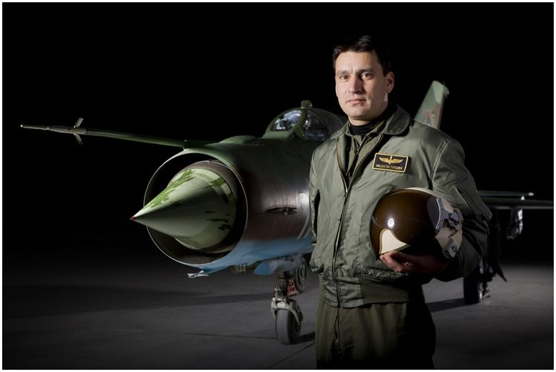 Синът на загиналия в Черно море пилот съди авиобаза Граф Игнатиево за 70 хил. лева